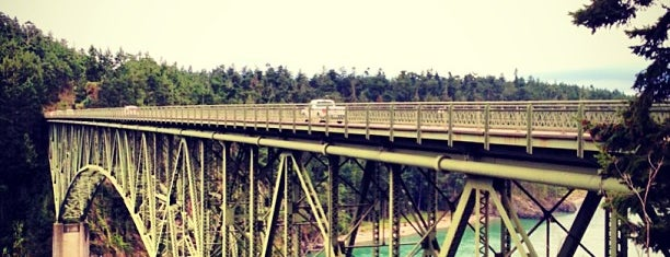 Deception Pass Bridge is one of Locais curtidos por Bridget.