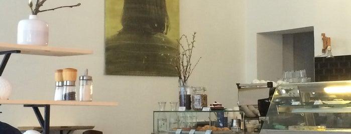 Dots is one of Berlin Best: Cafes, breakfast, brunch.