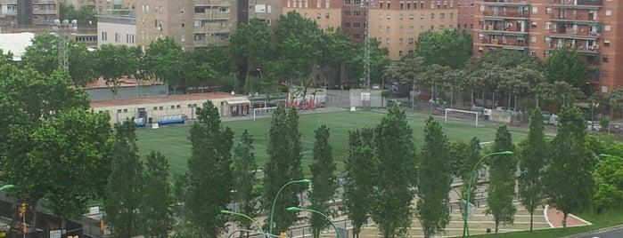 Camp de Futbol Sant Marti de Provençals is one of barri besos mar poble nou.