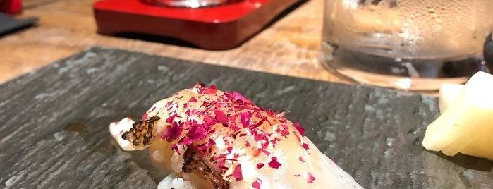 Sushi Lab is one of Lugares favoritos de Erica.