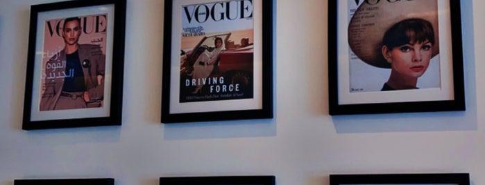 Vogue Cafe is one of Lugares favoritos de Sara.