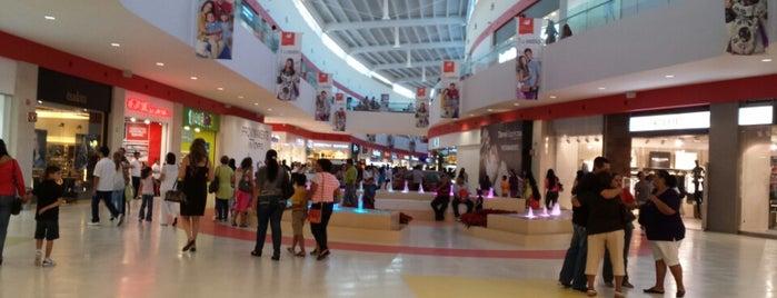 Galerías Mazatlán is one of Lieux qui ont plu à Ale.