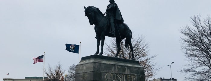 Custer Memorial is one of Famous Statues Around the World.