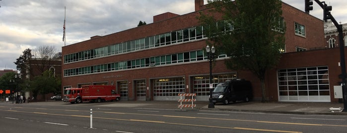 Portland Fire & Rescue Station 22 - St. Johns is one of Portland Fire & Rescue.