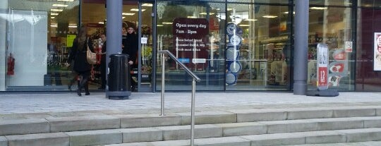 Sainsbury's Local is one of สถานที่ที่ Victor ถูกใจ.