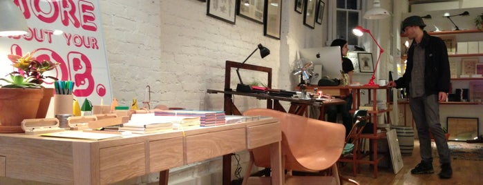 McNally Jackson Store: Goods For The Study is one of Gespeicherte Orte von Carmen.