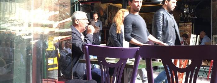 Taş Cafe is one of Lieux qui ont plu à Banu.