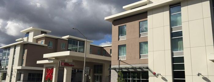 Hilton Garden Inn is one of Orte, die Drew gefallen.