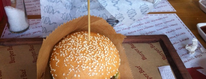 Burger Bar is one of Tapılası Hamburgerciler, Dönerciler, Sandviççiler.