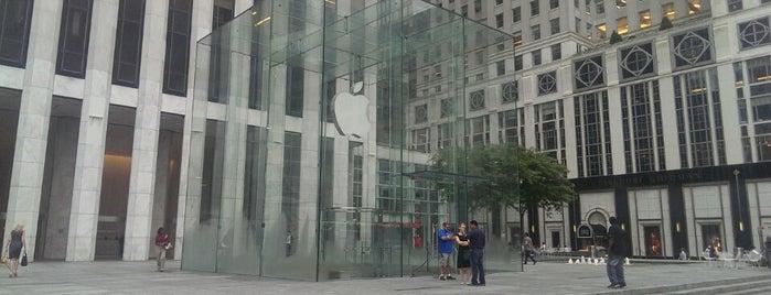 Apple Fifth Avenue is one of A7madooF🛸🏀 님이 좋아한 장소.