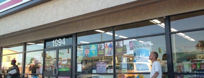 7-Eleven is one of สถานที่ที่ Michael ถูกใจ.
