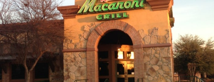 Romano's Macaroni Grill is one of Orte, die David gefallen.