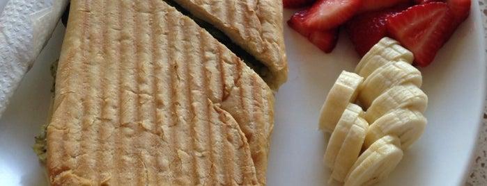 Baciami Cafe is one of Lugares guardados de Joanne.