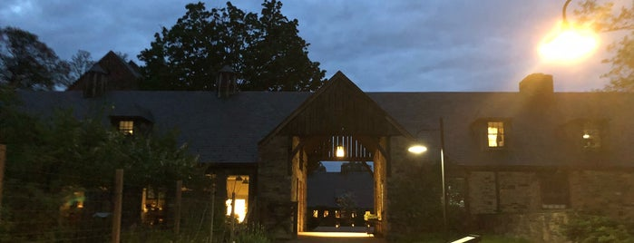 Blue Hill at Stone Barns is one of Lieux qui ont plu à Bridget.