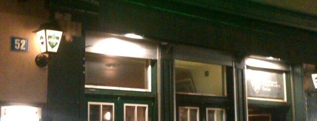 Big Ben Pub is one of Locais curtidos por Gernot.
