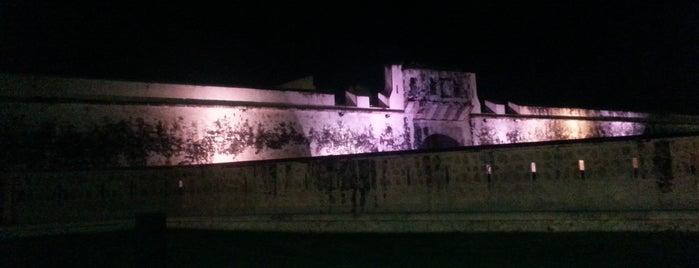 Puerta de Tierra is one of Ana : понравившиеся места.