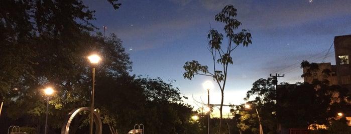 Parque Lineal Normalistas is one of Locais curtidos por Anitta.