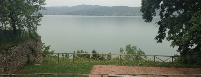 Monte del Lago is one of Hugues'in Beğendiği Mekanlar.