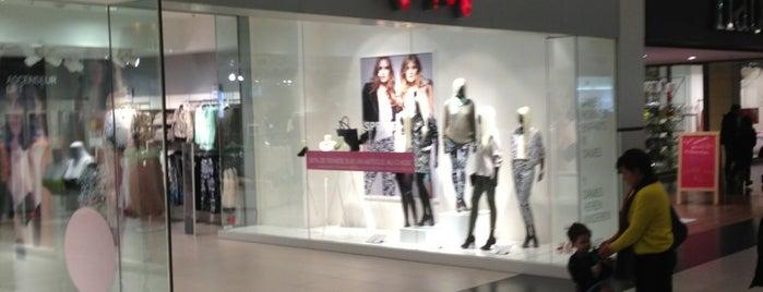 H&M is one of Lieux qui ont plu à Vanessa.