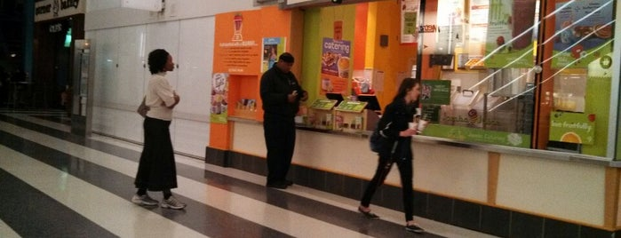 Jamba Juice is one of Seanさんのお気に入りスポット.