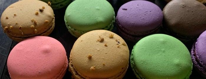 Figaro Dessert Cafe is one of สถานที่ที่ Jim ถูกใจ.