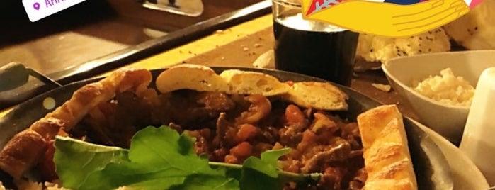 Ararat Restaurant Cafe Kahvaltı is one of Locais salvos de Hakan.