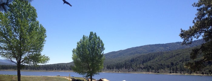 Lake Hemet is one of Elle's Liked Places.