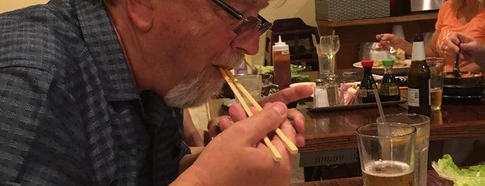 Mangetsu Korean BBQ and Thai/Sushi is one of Orte, die Bayana gefallen.