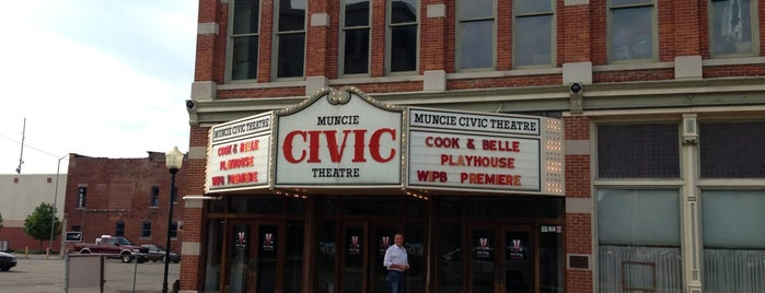 Muncie Civic Mainstage Theatre is one of Beckyさんのお気に入りスポット.