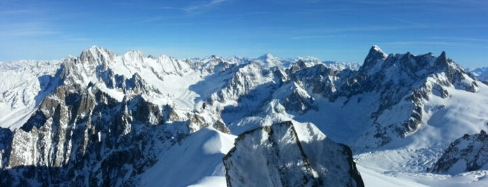 Mont Blanc (4810m) is one of Lugares favoritos de Justin.