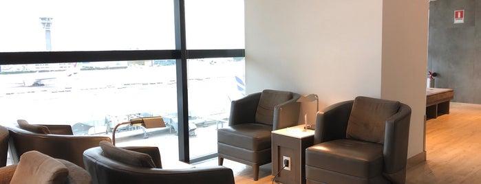 Nuevo Salon VIP LAN is one of สถานที่ที่ Colm ถูกใจ.
