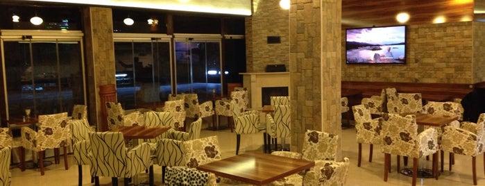 LINE Cafe&Bistro is one of Necdet'in Beğendiği Mekanlar.