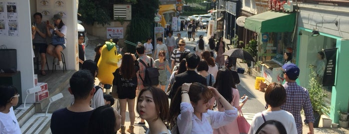 Itaewon is one of Seoul.
