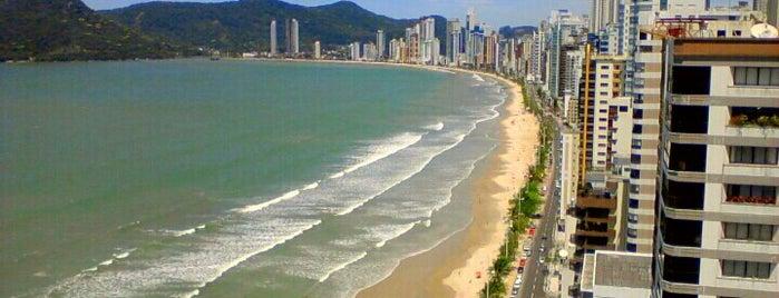 Praia da Avenida Atlântica is one of Kárenさんのお気に入りスポット.