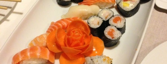 Temaki D'lux Sushi is one of Riey 님이 저장한 장소.