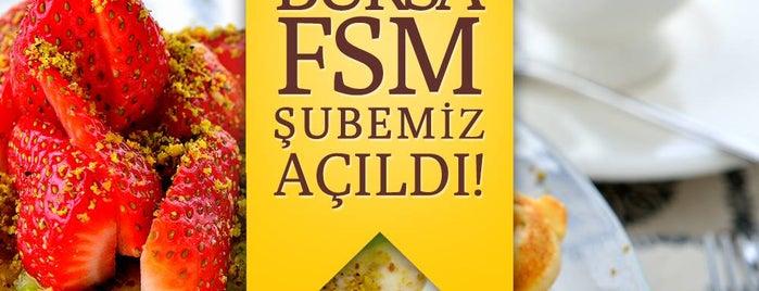İncir Waffle is one of Bursa Yemek.