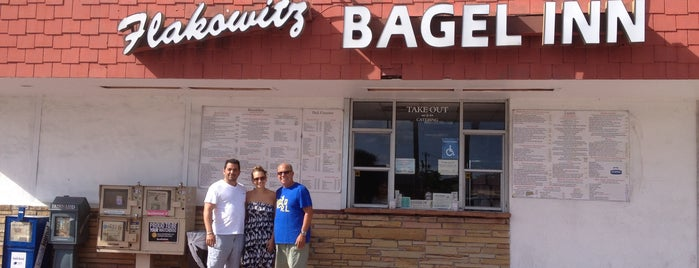 Flakowitz Bagel Inn is one of Florida food to try.