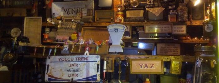Münire Eskici Kahveci Gazozcu is one of Lieux sauvegardés par Erzan.