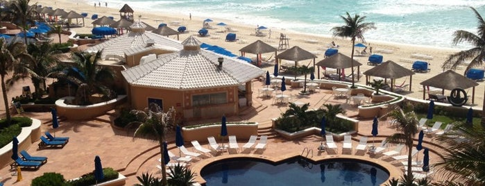 The Ritz-Carlton, Cancun is one of Explore the Mayan Paradise: Cancún #4sqCities.