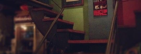 Salvador's Coffee House is one of สถานที่ที่ JulienF ถูกใจ.