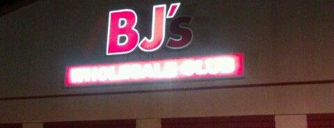 BJ's Wholesale Club is one of Lugares favoritos de Dawn.