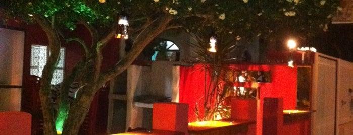 El Lugar Resto Pub is one of Vinie 님이 좋아한 장소.