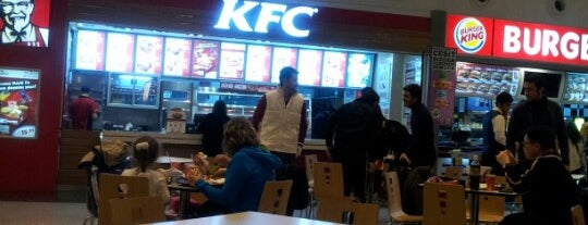 KFC is one of Lugares favoritos de Mehmet.