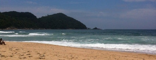 Praia Vermelha do Centro is one of Melhores Praias.