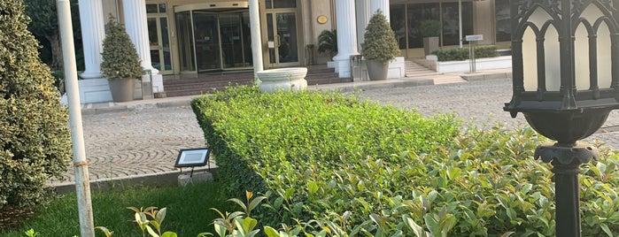 Eresin Hotels Topkapı is one of Orte, die Zeynep gefallen.