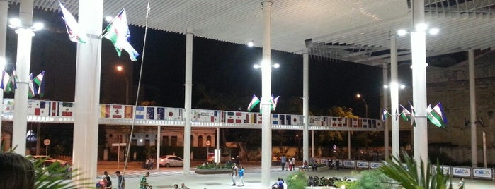 Plazoleta Jairo Varela is one of สถานที่ที่ Alan ถูกใจ.