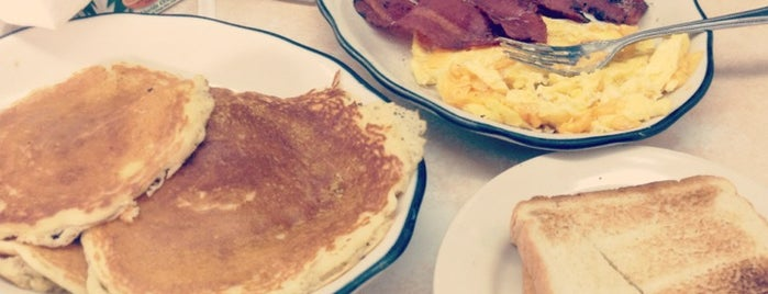 George's Coffee Shop Diner is one of Washington Heights & Surrounding.