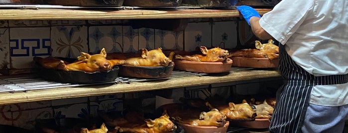 Restaurante Sobrino De Botin - Horno De Asar is one of Have To Go.