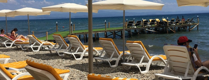 Barbi Cafe & Beach is one of doğallık..