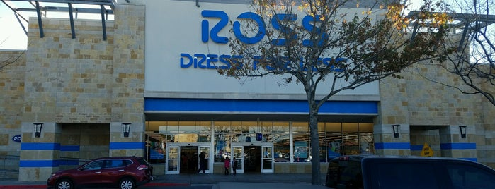 Ross Dress for Less is one of Lugares favoritos de Beth.